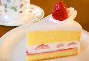秩父産いちごの手造りショートケーキ 350円