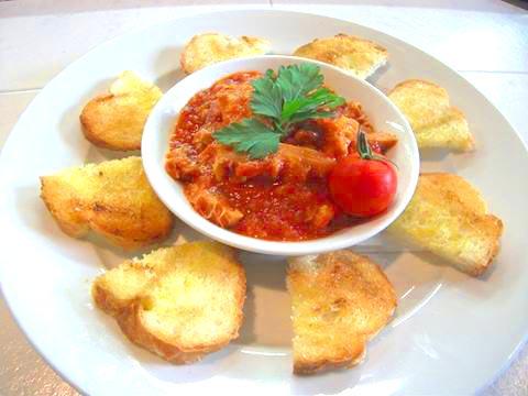 トリッパのトマトソース煮込み~ガーリックトースト添え~