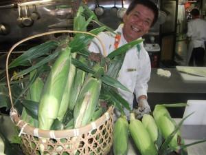 夏野菜トウモロコシ収穫