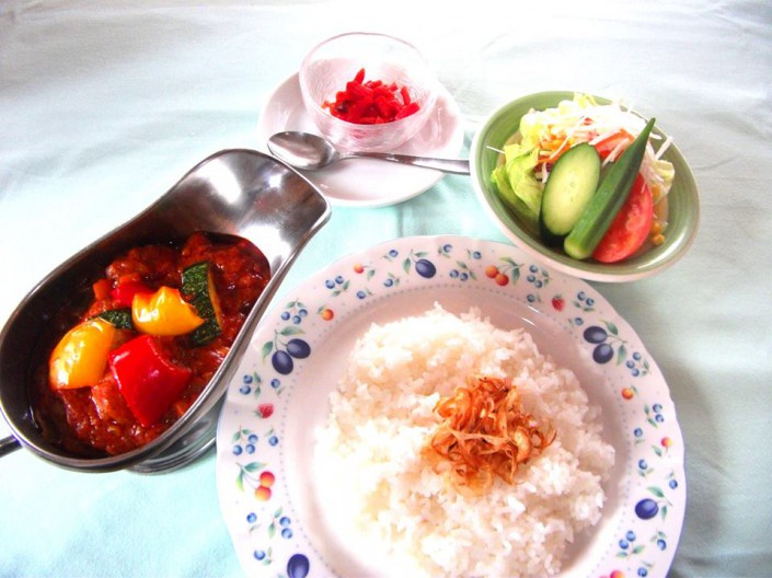 にぐるまやダイニング夏野菜カレー ¥980