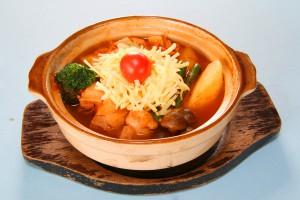 ポークと野菜のトマト鍋 880円